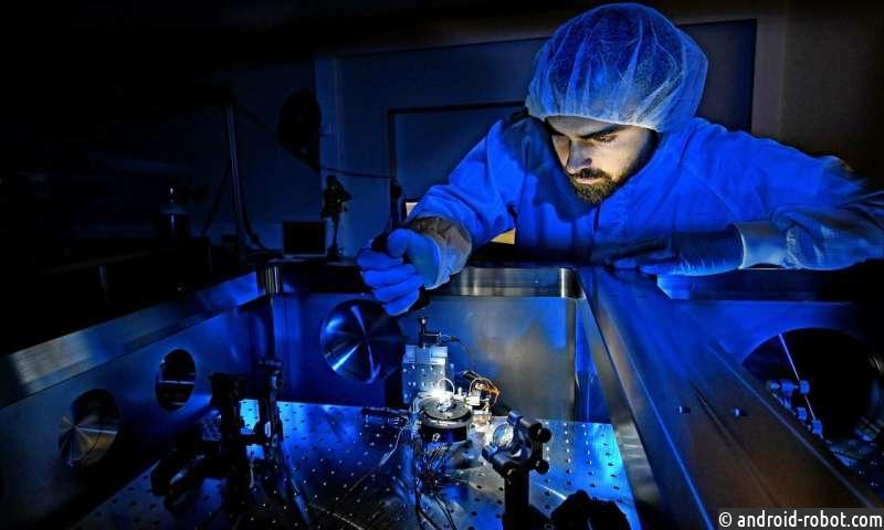 Впервые созданы диссипативные солитоны в пассивных резонаторах