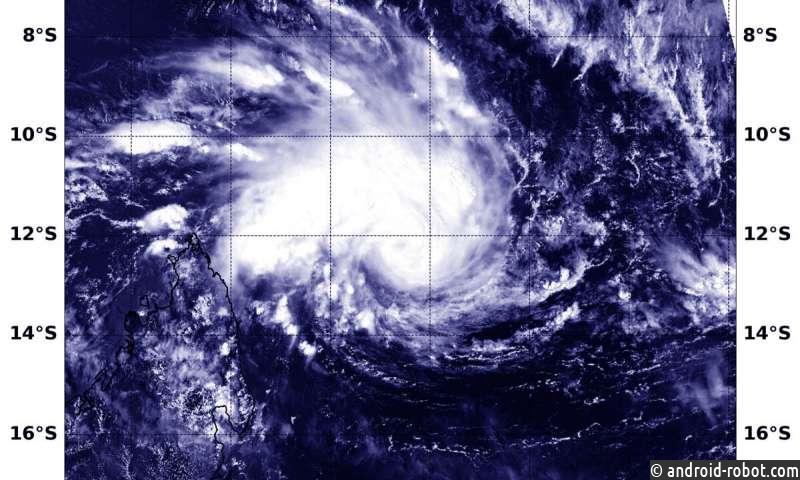 NASA отслеживает развитие тропического циклона Гелена