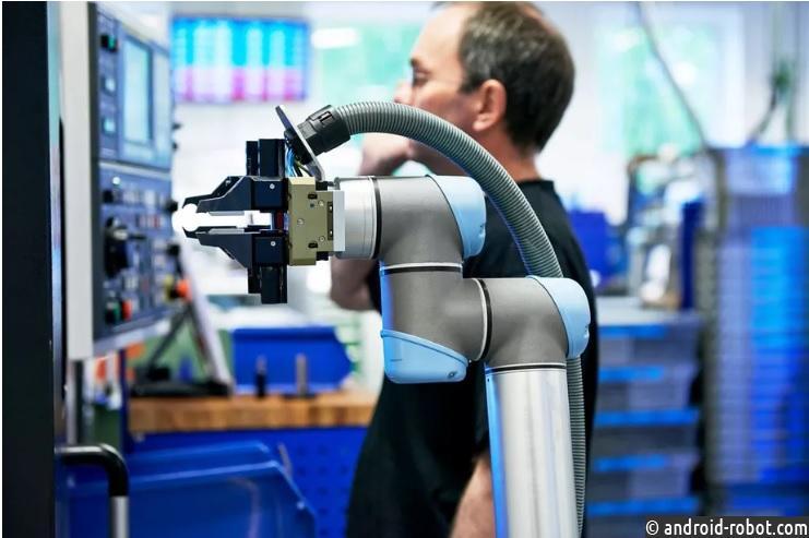 Google делает осторожный шаг назад в мир робототехники
