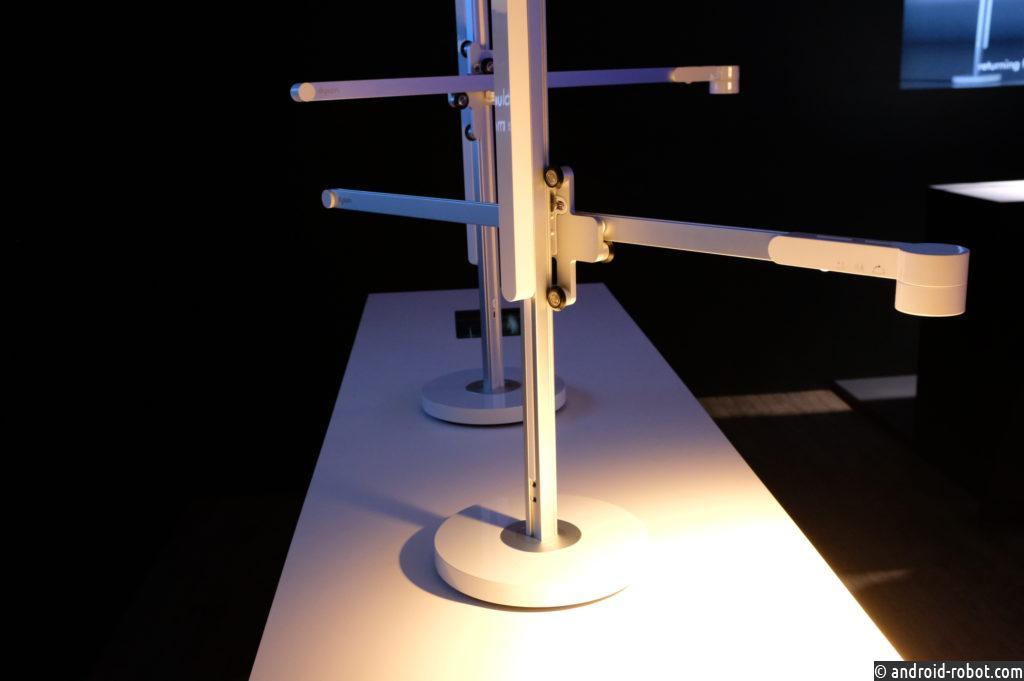 Dyson запускает пылесос с лучшей батареей, настольной лампой и персональным очистителем воздуха