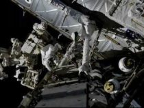Космонавты принялись за обслуживание и ремонт батарей и кабелей у МКС