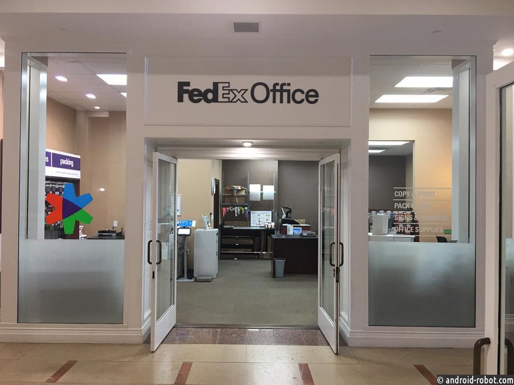 Роботы FedEx Office могут доставлять пиццу, продукты или даже приносить куриный суп с лапшой больным