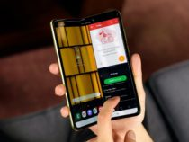 Samsung отложил начало продаж телефона сгибким дисплеем из-за поломок