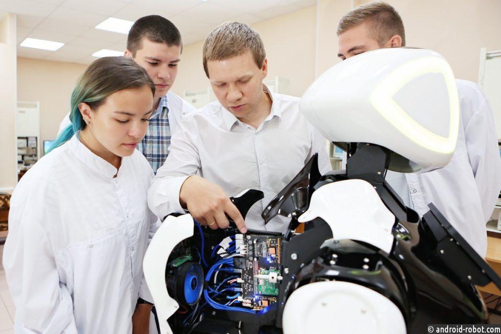 Робот — лучший друг ребенка. 4 аргумента «за»