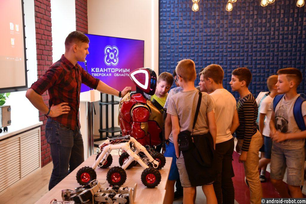 Роботы интереснее аниматоров, учителей и нас с вами