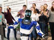 В педагогическом колледже Воронежской области начнет преподавать робот-учитель