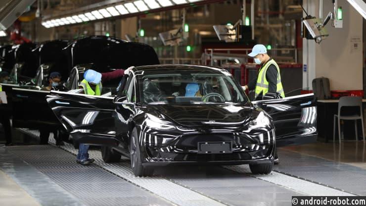 Tesla объявила о рекордной чистой прибыли