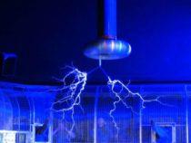 Исследование показало, что электромагнетизм — это свойство самого пространства-времени